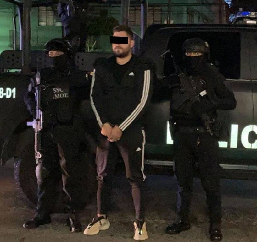 Capturan a cuatro implicados en balacera contra empresario en el AICM