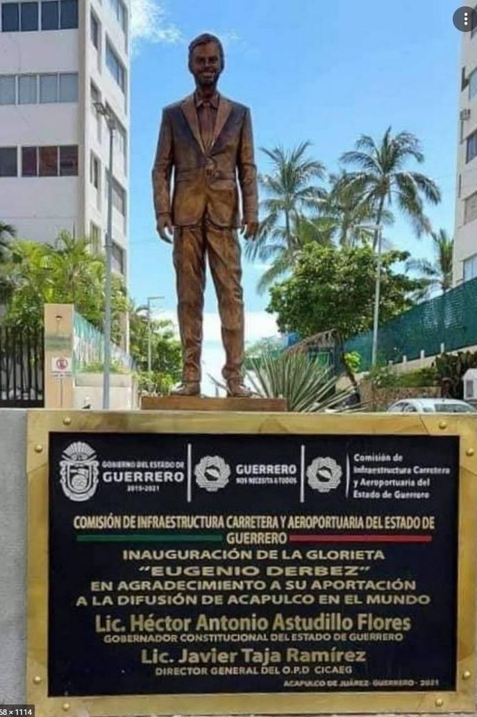 En Acapulco, desaprueban, vandalizan y quitan estatua de Eugenio Derbez