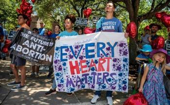 EEUU pide a la Corte Suprema bloquear la ley de aborto de Texas