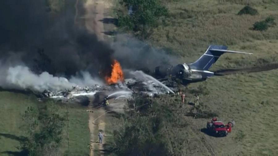 Avión se estrella en Texas y sobreviven las 21 personas a bordo