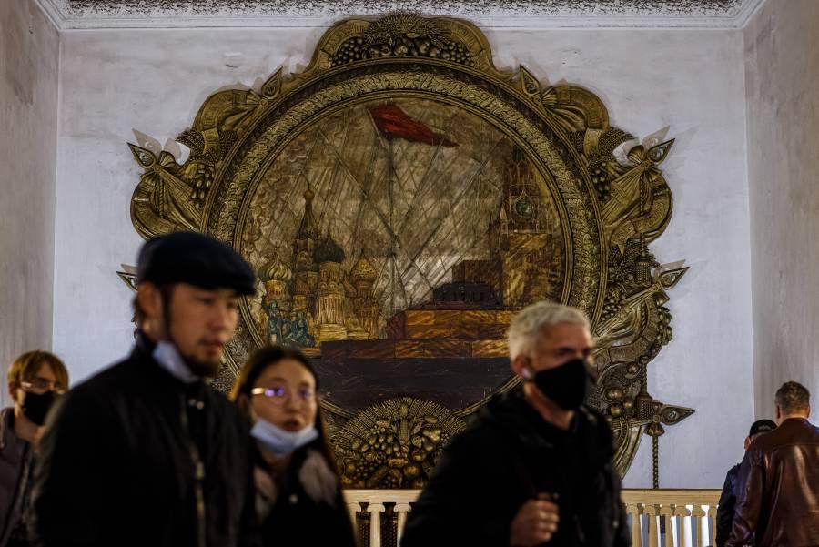 Moscú ordena restricciones tras aumento de casos por Covid-19