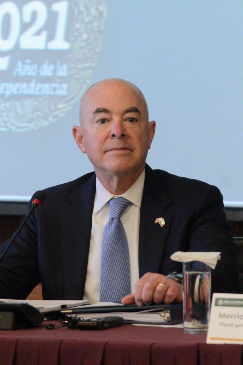Reportan que secretario de Seguridad Interior de EEUU tiene Covid