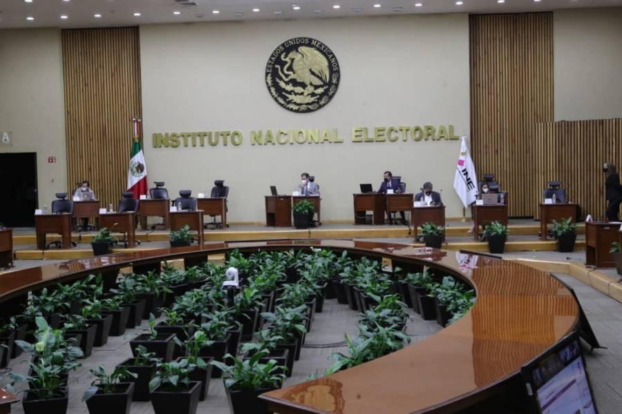INE rechaza propuesta del Senado sobre firmas para revocacioacuten de mandato