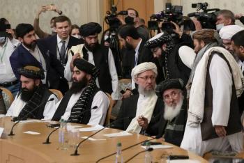 Rusia, China e Irán defienden la colaboración con los talibanes