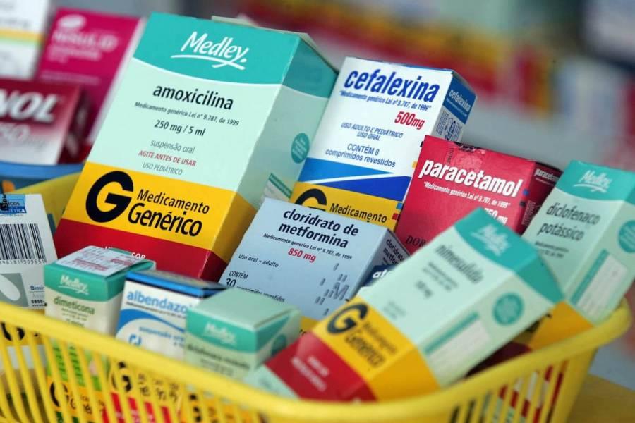 Avala que recetas médicas indiquen denominación genérica de medicamentos