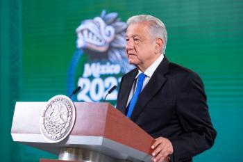 Se renovará concesión de Telmex si baja tarifas y amplía red: AMLO