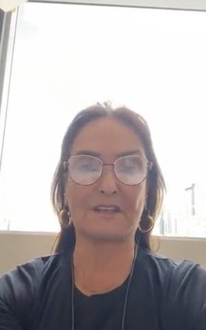 Internautas arremeten contra la diputada Patricia Armendáriz