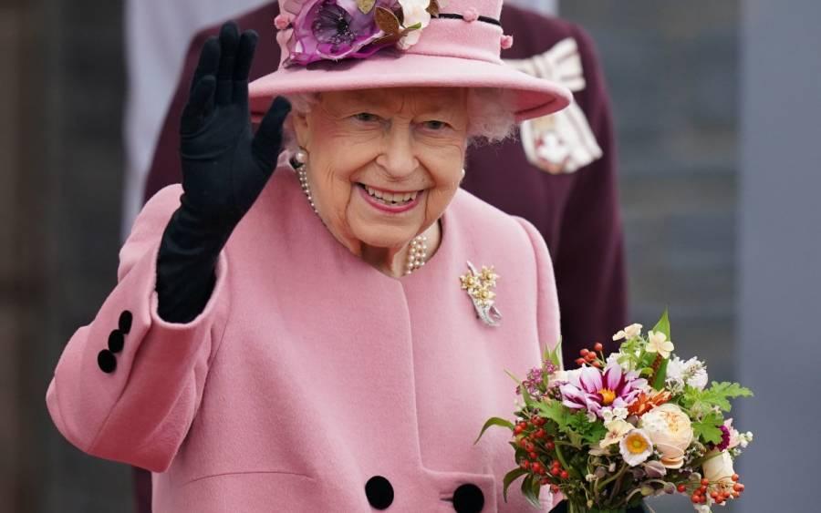 Tras hospitalización, la salud de Isabel II suscita dudas