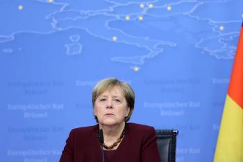 Líderes europeos ovacionan de pie a Angela Merkel