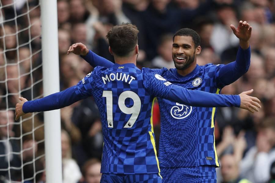 Chelsea golea a Norwich en la Premier League con triplete de Mason Mount