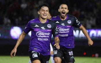 Mazatlán vence 2-1 al Querétaro