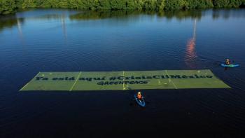 Greenpeace protesta frente a refinería de Dos Bocas por cambio climático