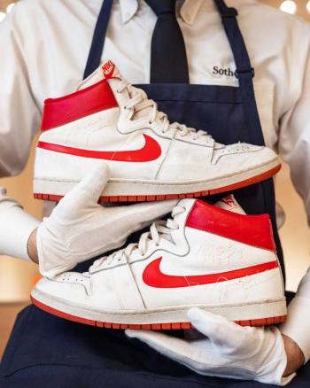 Zapatillas de Michael Jordan se elevan a casi 1.5 mdd en subasta