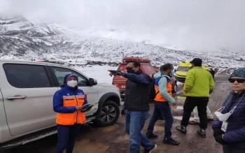 Alud en volcán de Ecuador deja al menos cuatro muertos y un herido