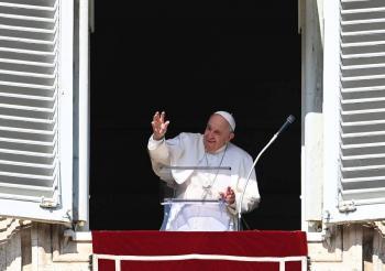 Papa Francisco pide no deportar a migrantes a países inseguros