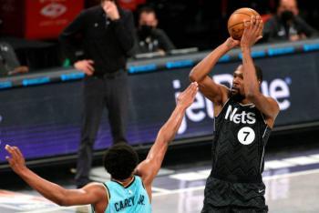 Sin Kyrie Irving, los Nets sufren ante Hornets su segunda derrota