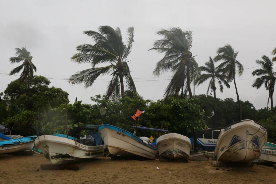 """""""Rick"""" se debilita a tormenta tropical en Michoacán"""