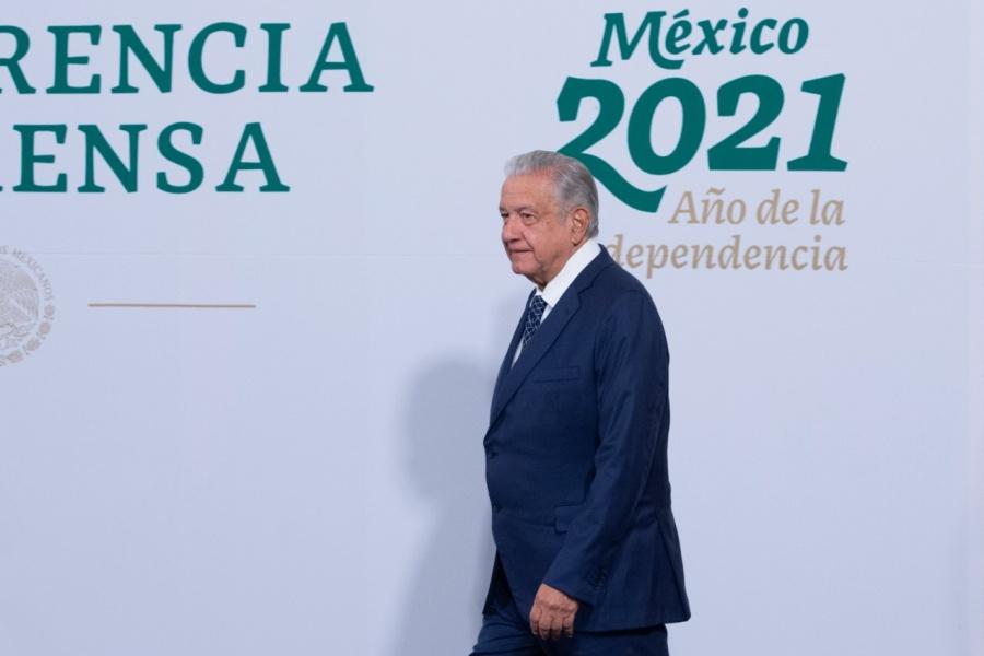 """""""UNAM se derechizó, se lleno de conservadores"""", dice AMLO"""