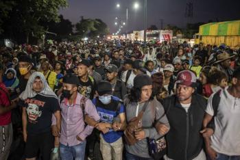 """Ebrard dice a caravana migrante que EEUU """"no los dejará pasar"""""""