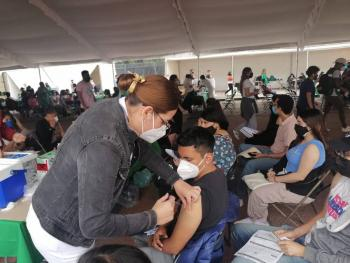 Nuevo récord de vacunación anticovid en el Estadio Olímpico Universitario