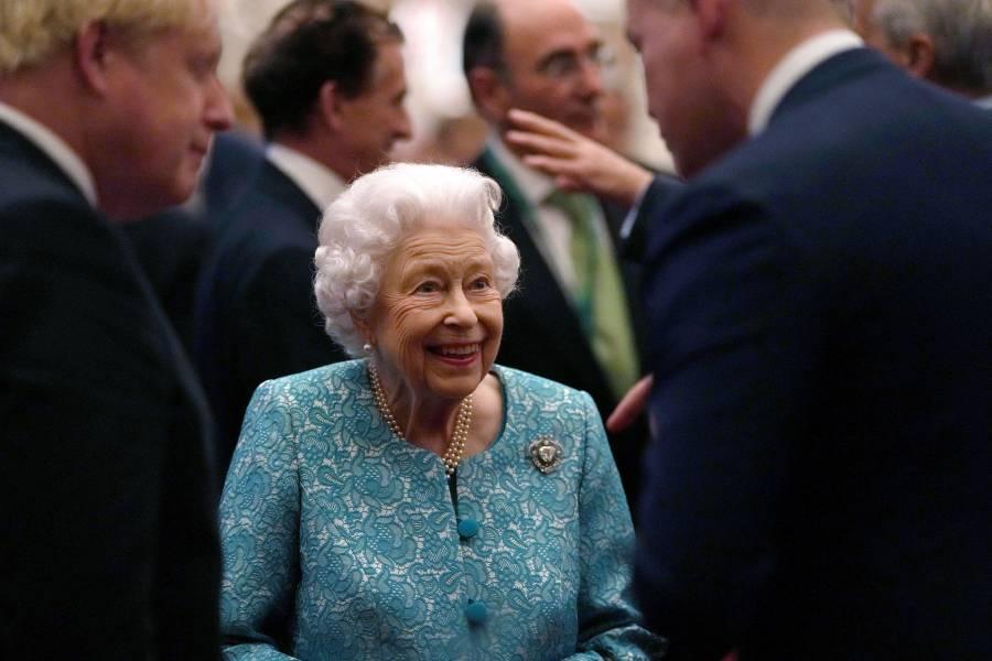 Reina Isabel II descarta participar en la COP26 por consejo médico