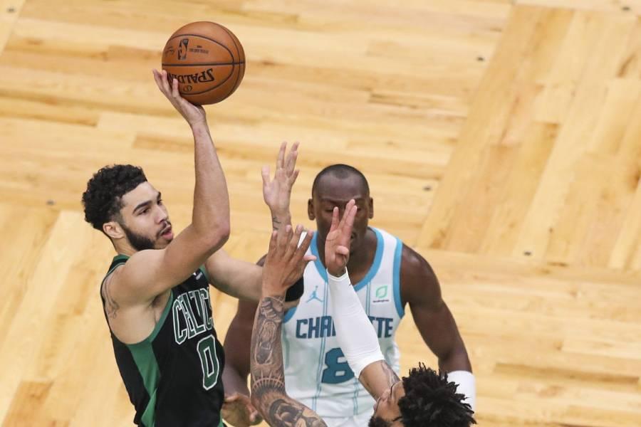 Los Celtics derrotan a los Hornets; Tatum arraza con más de 30 puntos