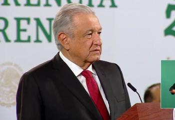 """AMLO pide marchar contra él por dichos vs la UNAM, """"pero hagan algo"""""""