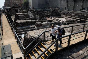 Inicia retiro de la cubierta colapsada en Templo Mayor