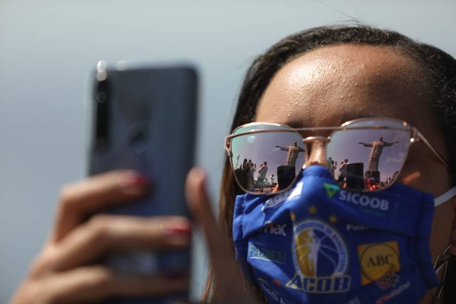 Uso de mascarilla al aire libre deja de ser obligatorio en Río de Janeiro