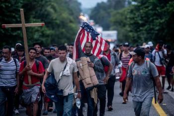 CNDH acompaña el recorrido de la caravana migrante