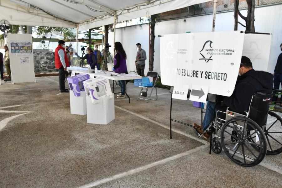 IECM realiza simulacro de votación con medidas sanitarias