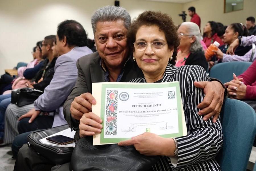 Entrega IMSS reconocimientos. Reúne a pacientes trasplantados en el Hospital de La Raza