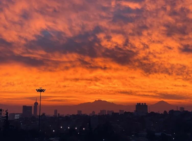 Asombra amanecer en la CDMX