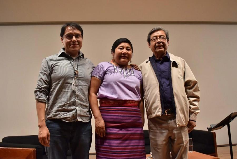 En Bellas Artes cantan en náhuatl con el poeta Natalio Hernández