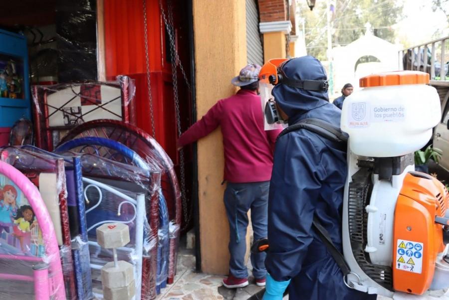 Sanitizan negocios en Milpa Alta