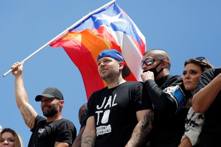 Residente y Nicky Jam, convocan a paro nacional en Puerto Rico