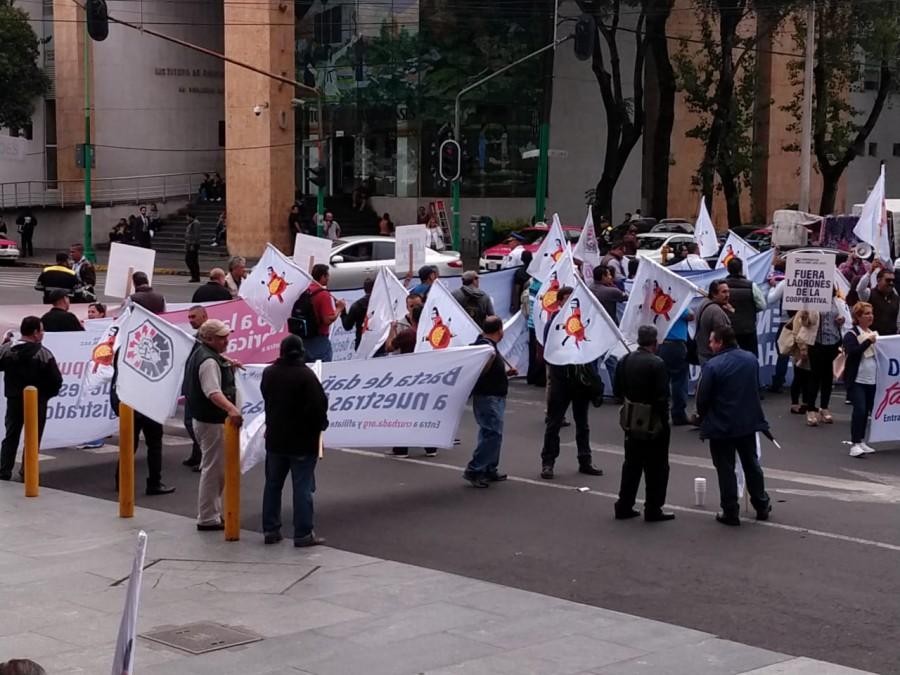 SME realiza bloqueo frente al TSJCDMX