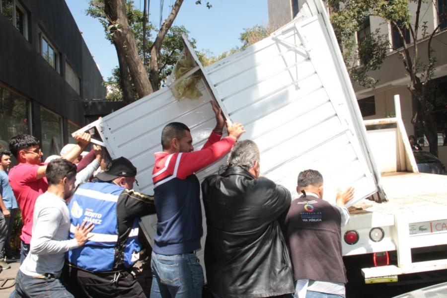 Se lleva a cabo operativo para recuperar espacios públicos en la Alcaldía Benito Juárez