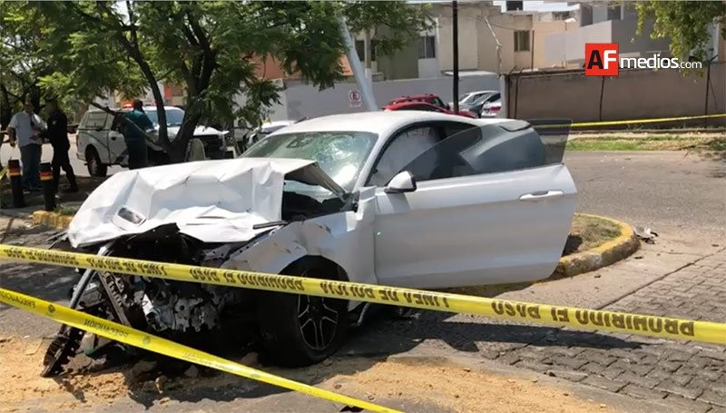 Futbolista sufre accidente automovilístico
