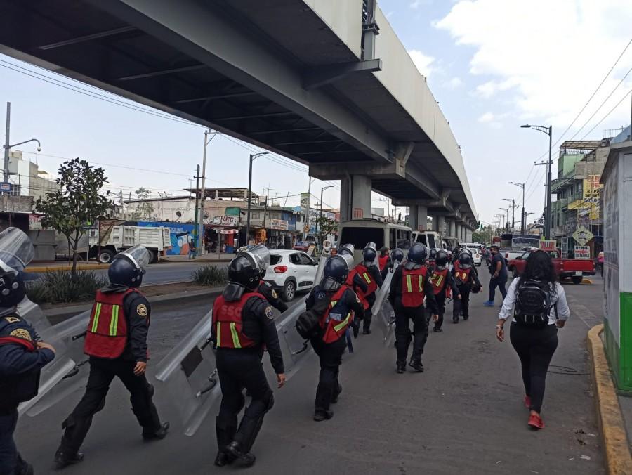 Feministas protestan por accidente en la Línea 12