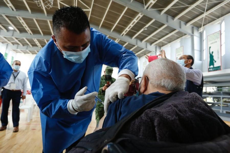 Aplican 829 vacunas contra COVID-19 en centros penitenciarios de la CDMX