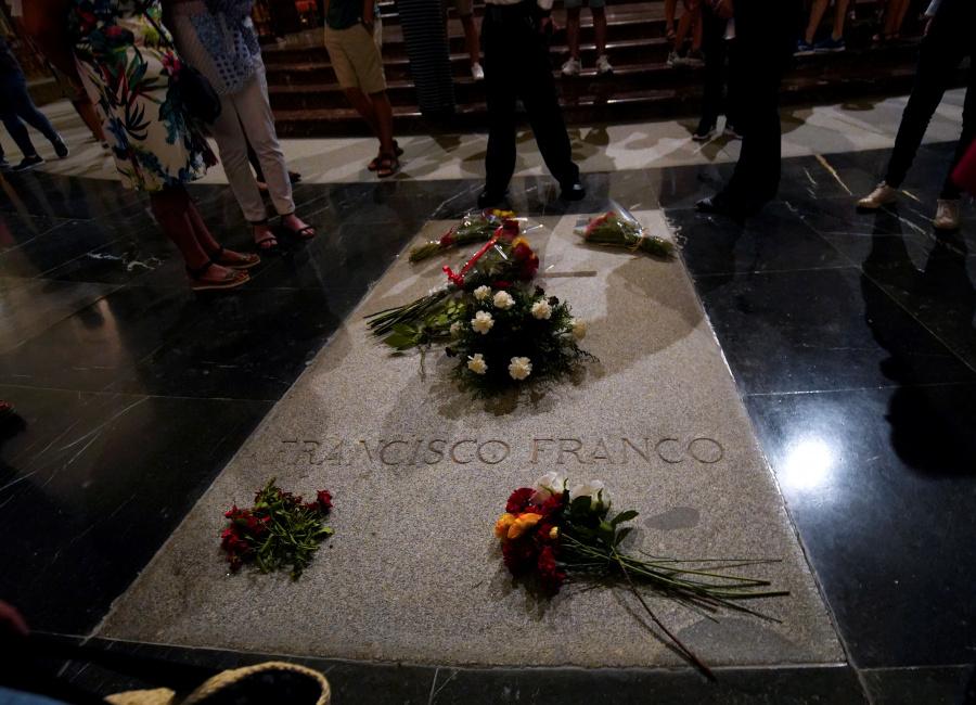 Gobierno Español espera exhumar a Franco a finales de año