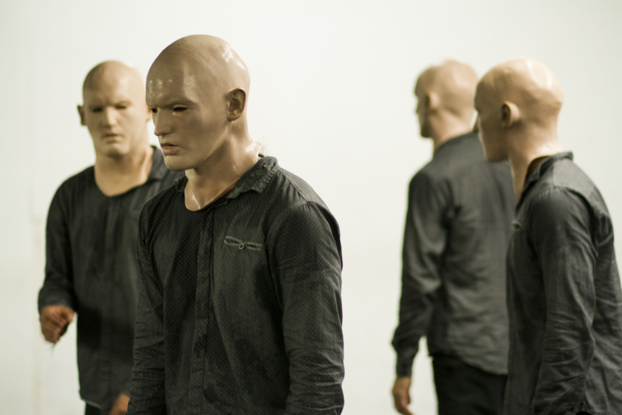 En Tercera Persona, la danza detona el conflicto de nuestra búsqueda de identidad