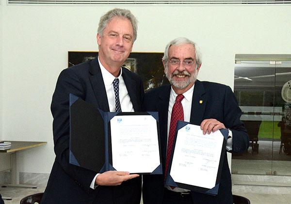 UNAM firma carta de colaboración con Universidad de Holanda