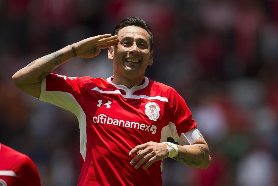 Sambueza anuncia su salida del Toluca
