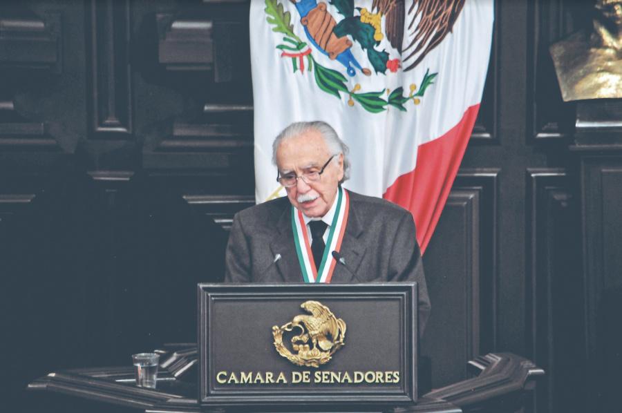 Recibe Carlos Payán la Belisario Domínguez