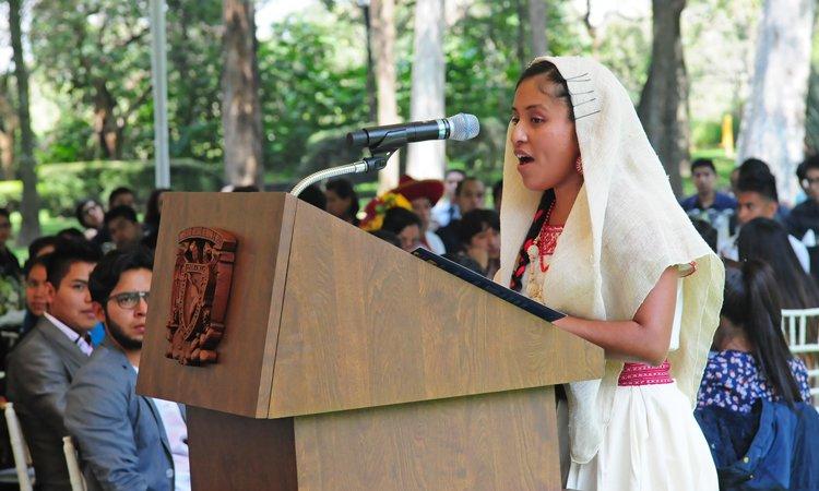 UNAM apoya a más de 900 estudiantes indígenas con becas