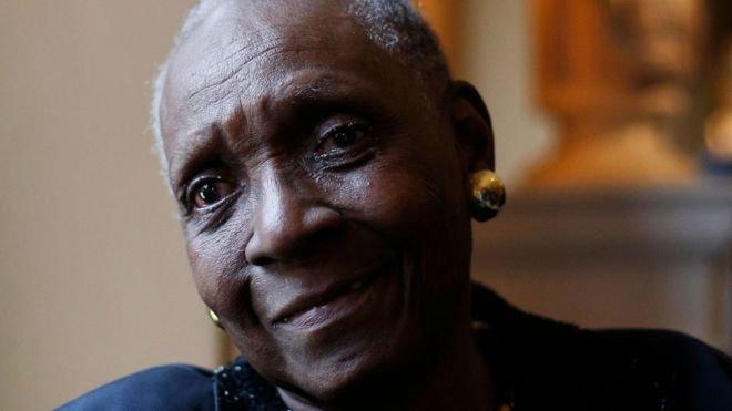 Maryse Condé gana premio alternativo de Literatura