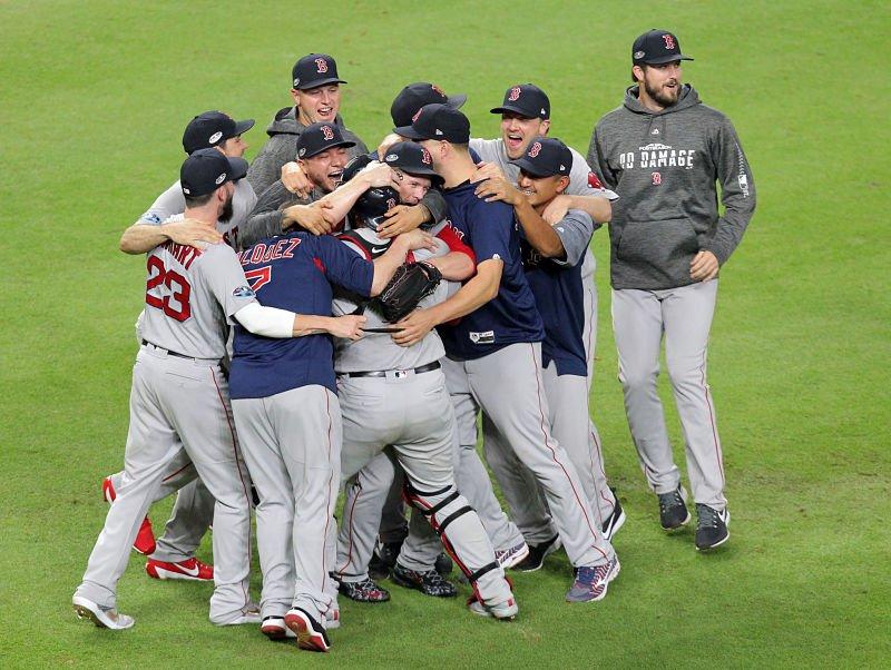 Medias Rojas derrocan a Astros y avanzan a Serie Mundial