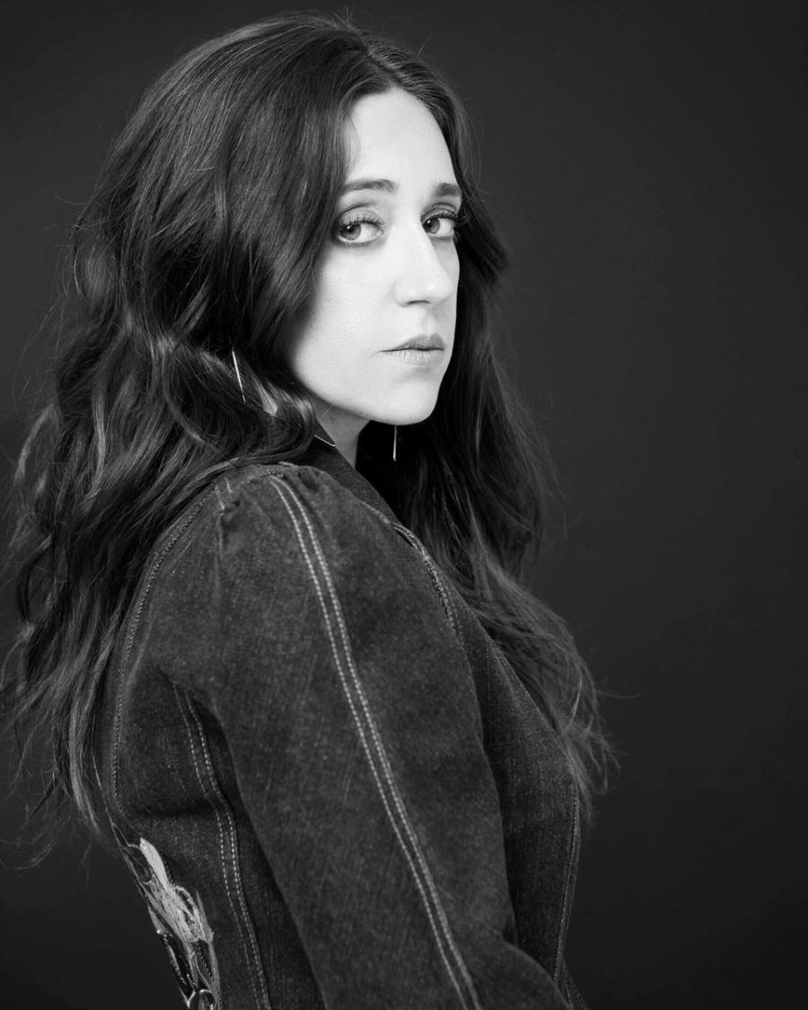 Mariana Treviño abandona Club de Cuervos